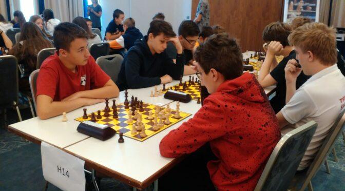 malá reportáž z víkendového MČR v rapid šachu
